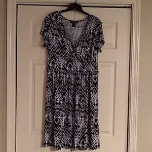 3/$30 Black & White Print Midi Dress